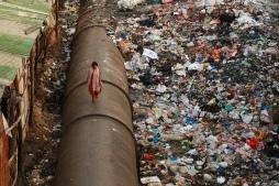 dans-le-bidonville-de-dharavi-dans-le-centre-de-bombay-par-meanest-indian-flickr